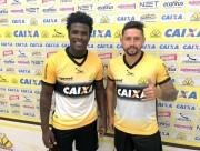 Tigre apresenta oficialmente os jogadores Sandro e Elvis